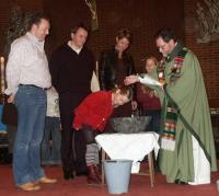 Lynn wordt gedoopt